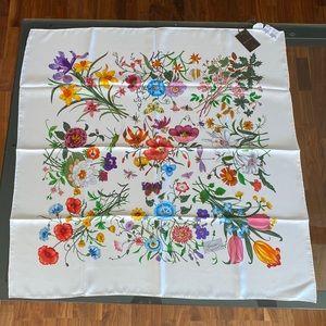 Gucci Flora Silk Scarf w/ tags